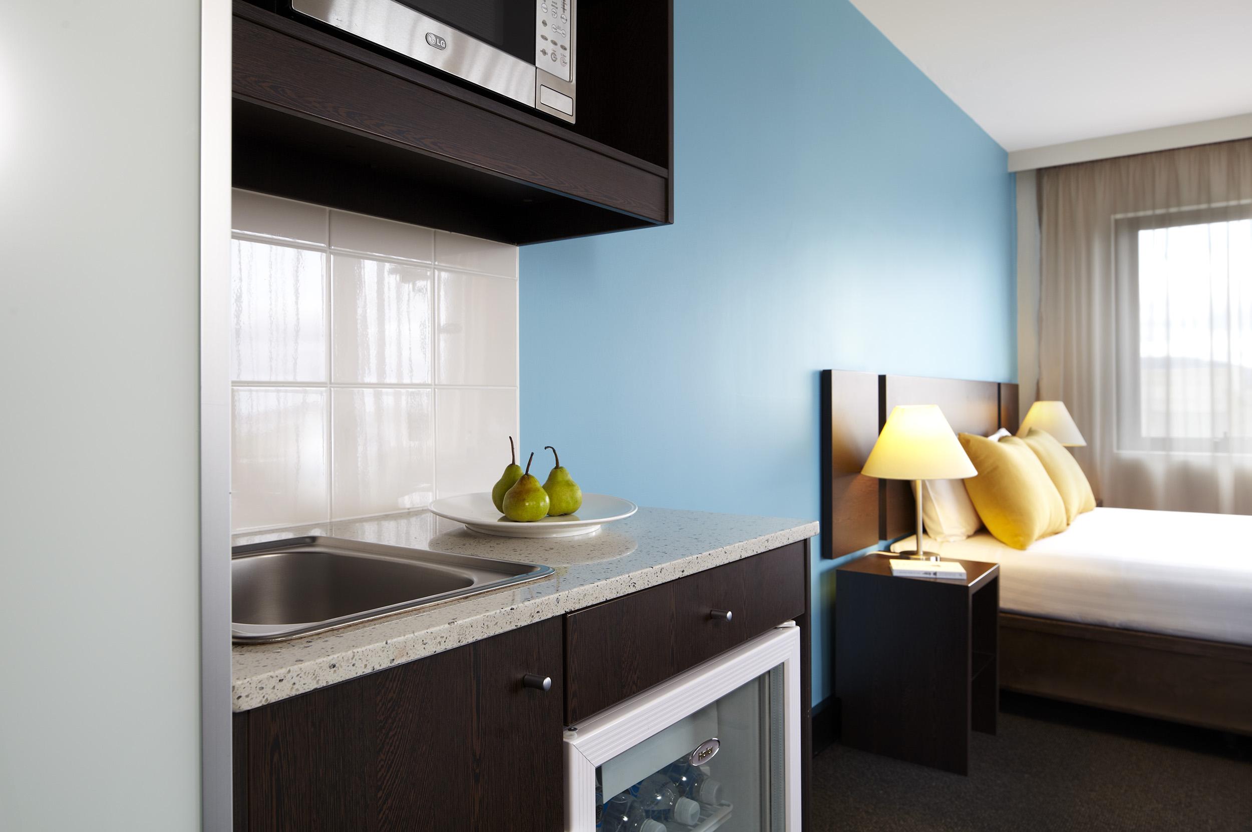 travelodge-hobart-hotel-standard-queen-3-2013