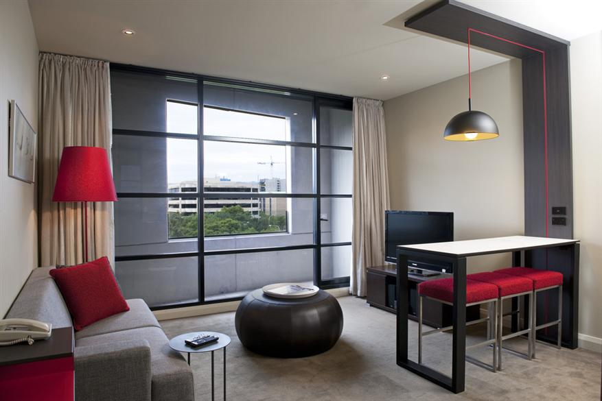 Mantra-Hindmarsh-Square-1-Bedroom-Parkview1.t25342
