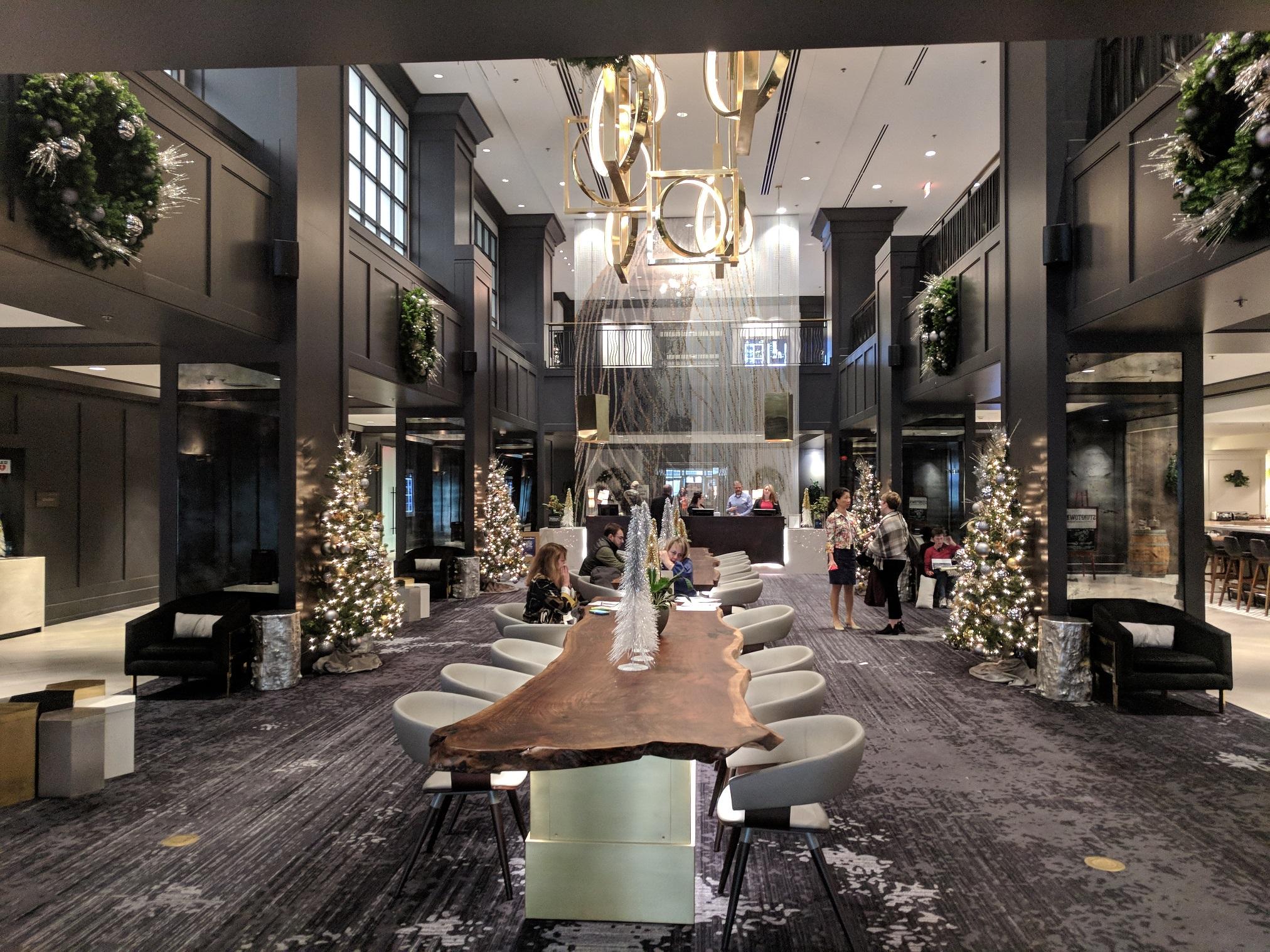 Hilton lobby xmas