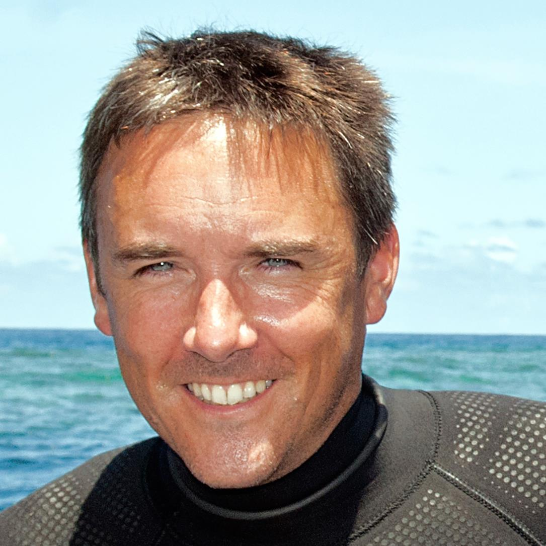 RichardVevers diver headshot.jpg