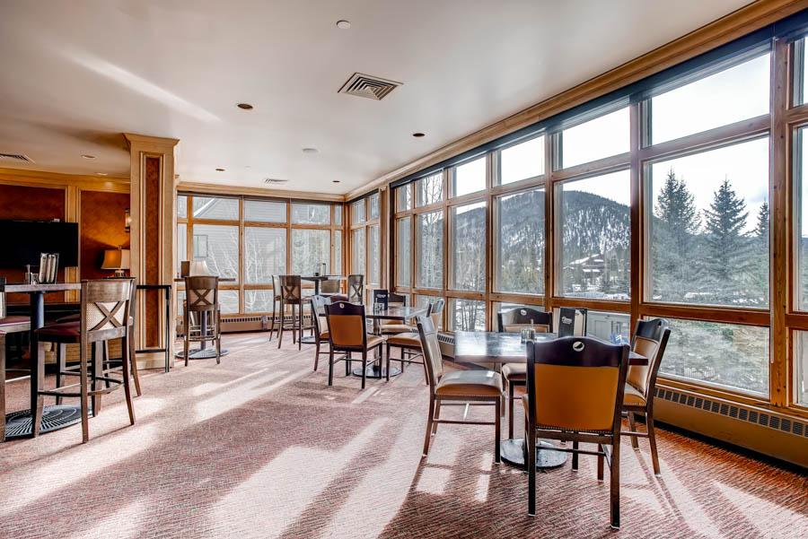 Bighorn Restaurant (lounge area) 2
