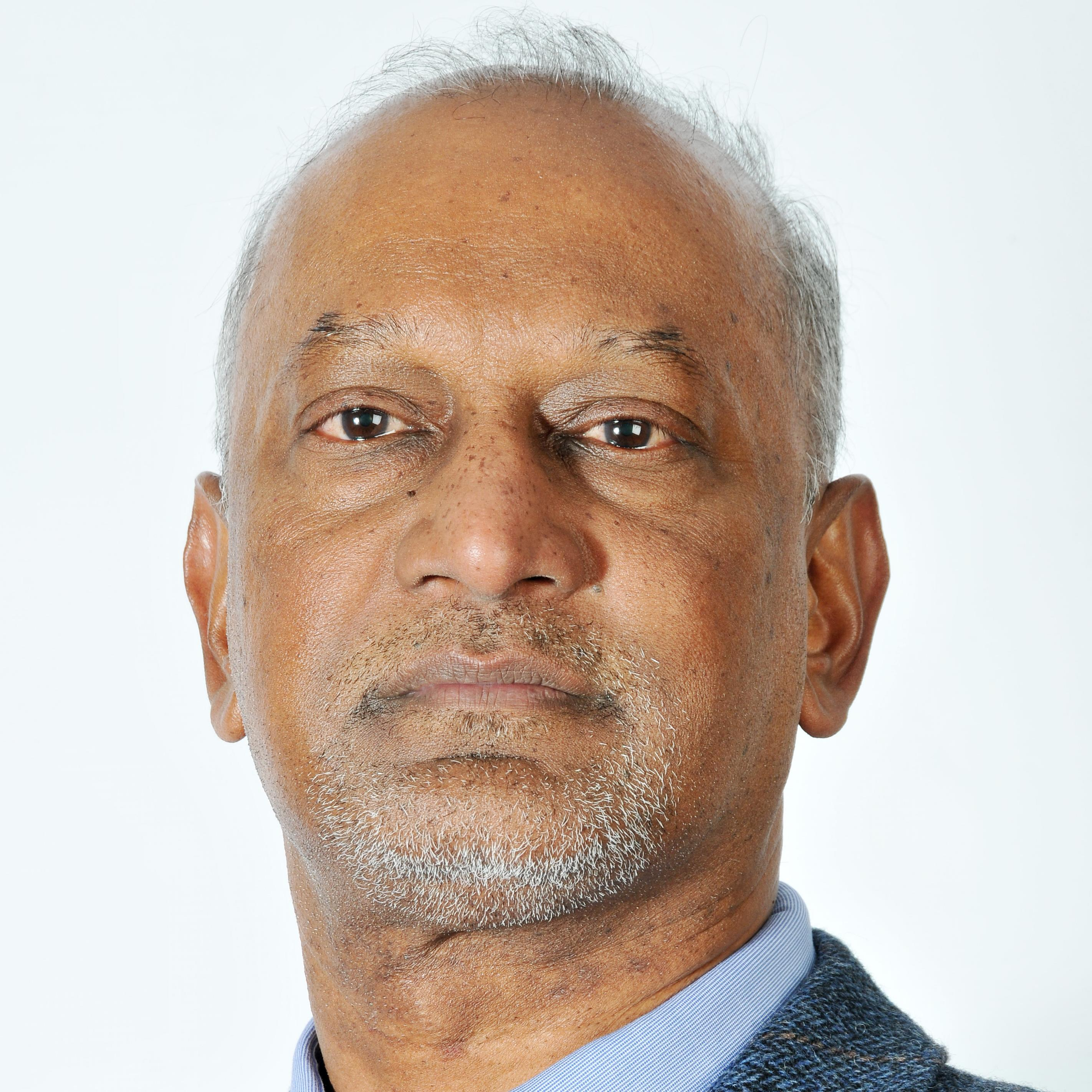 Carl Reddy headshot.jpg