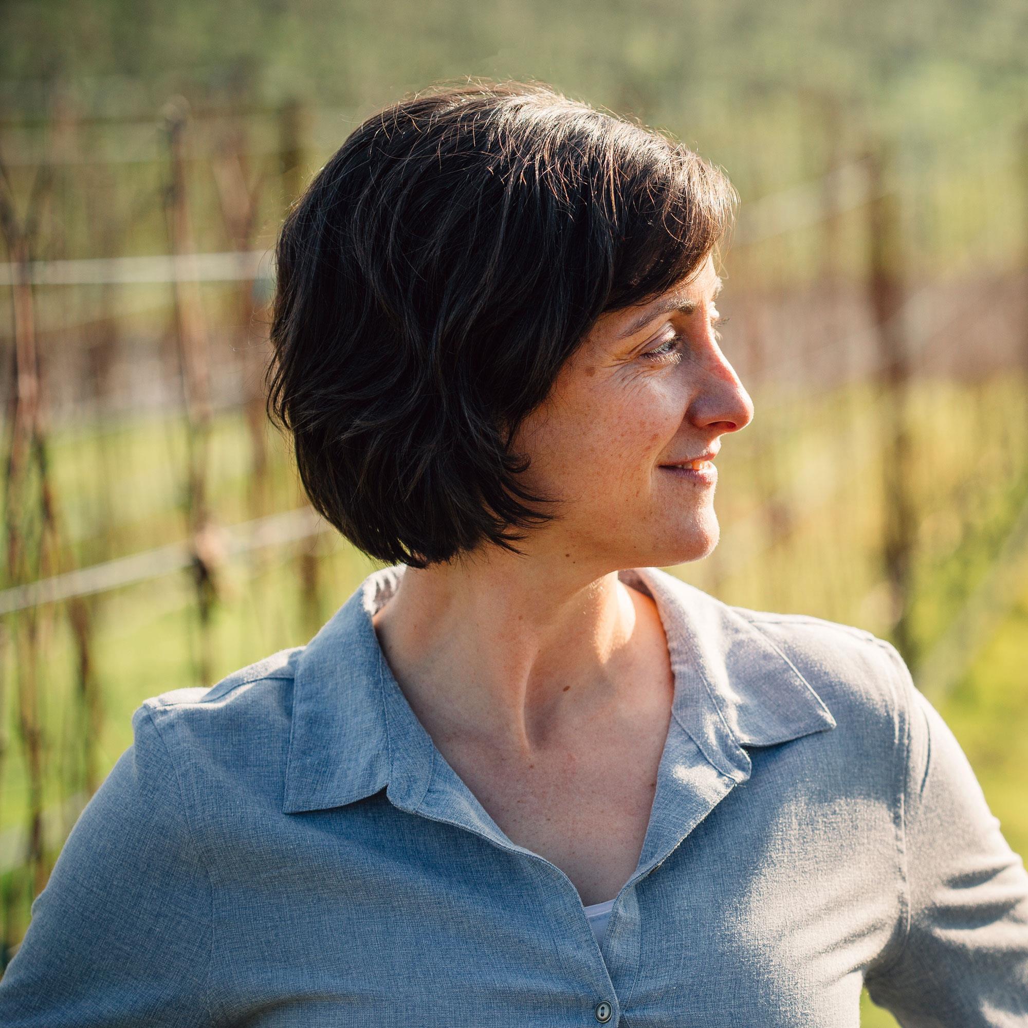Gina Hennen Headshot.jpg