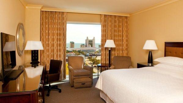 she1726gr-203723-King-Guestroom
