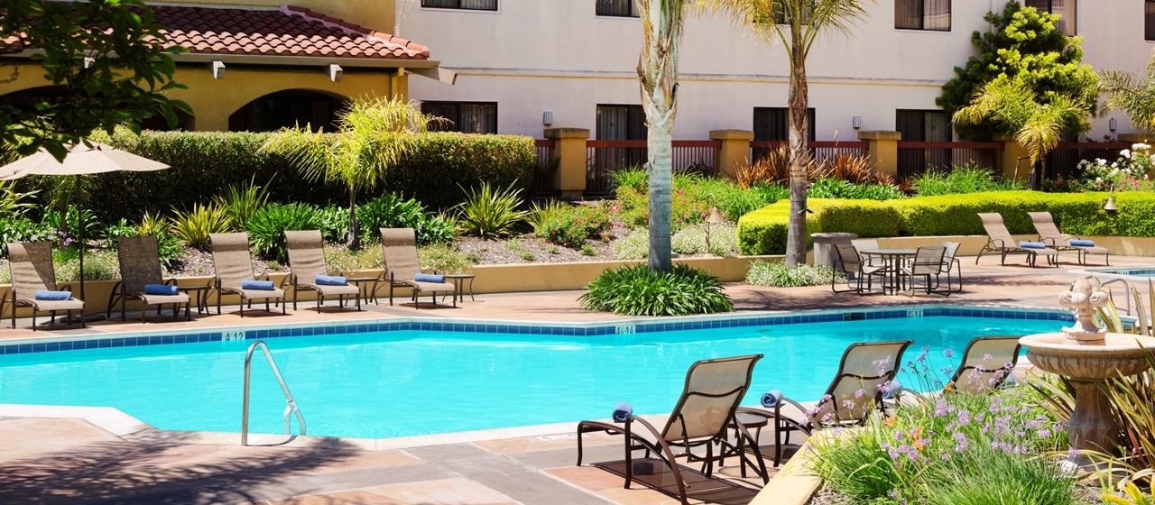 Nice poolside