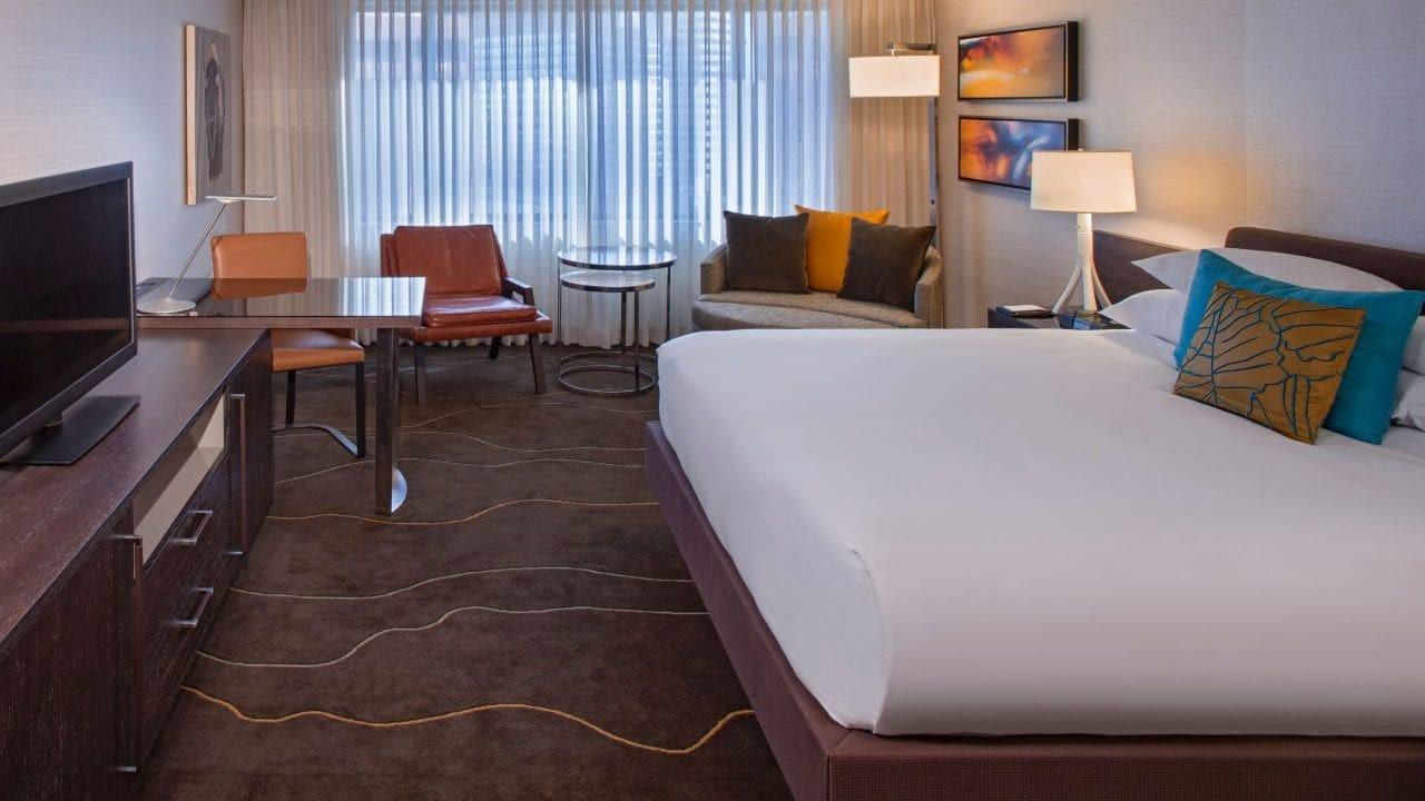 Grand Hyatt Sleeping Room