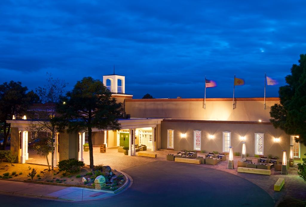 Hotel Exterior_Nighttime - Hilton Santa Fe