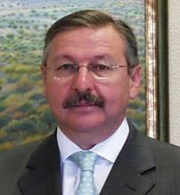 1.3 Gerardo Alvarez.jpg