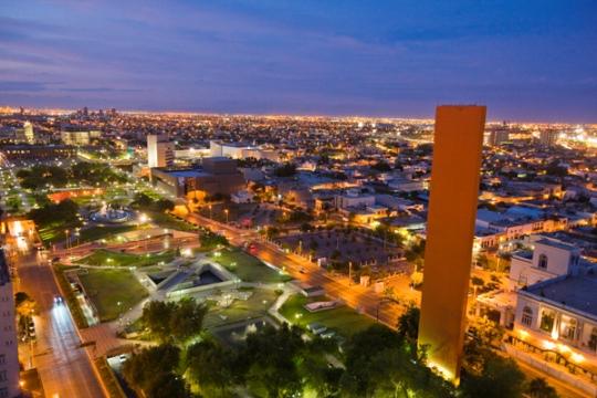Monterrey Faro de Comercio MacroPlaza_web