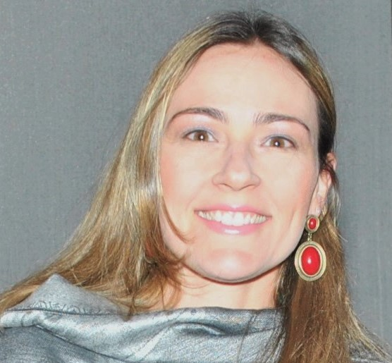 Nicole Cunha.jpg
