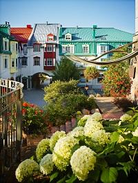 Outdoor Terrace Walkway_478478_high 200x266