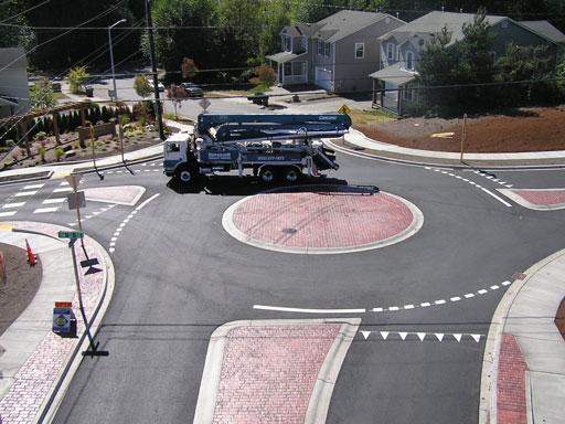 Roundabout-Truck
