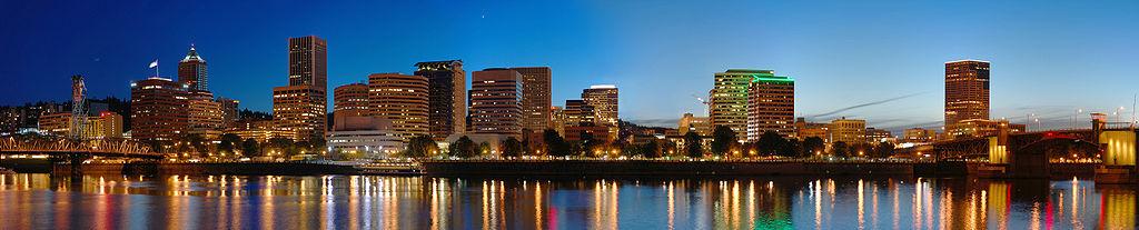 1024px-Portland_Night_panorama