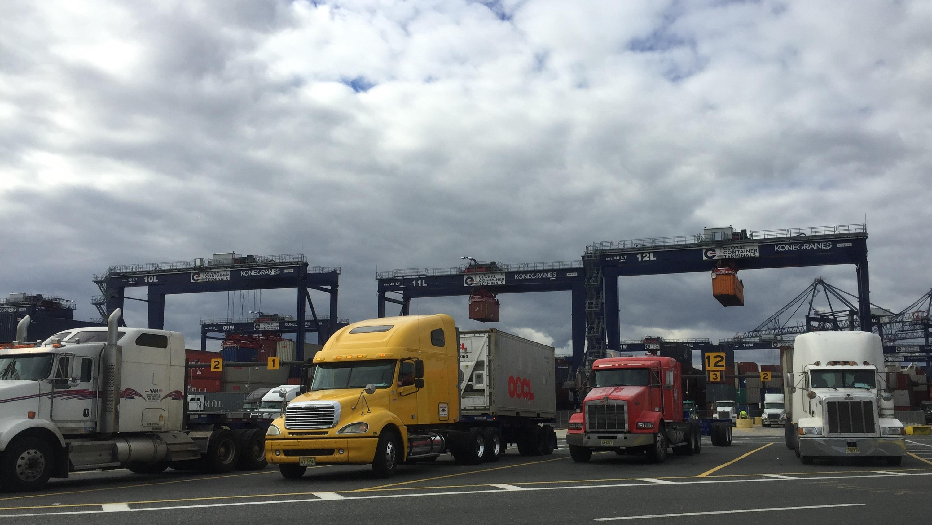 Truck photo2