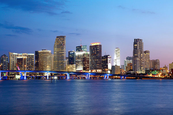 Downtown-Miami-Skyline-Night-landscape-LS
