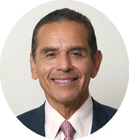 Headshot of Antonio Villaraigosa