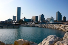Downtown_Milwaukee_from_Pier_Wisconsin 2