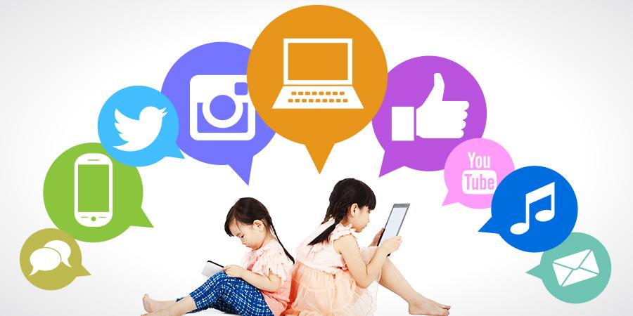 social-media-girls-900