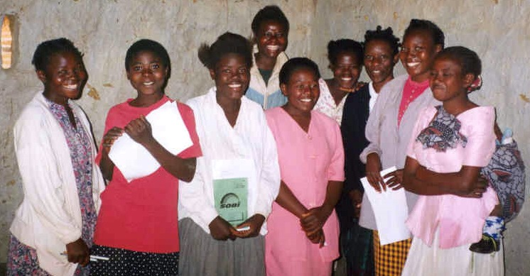 African women studying together