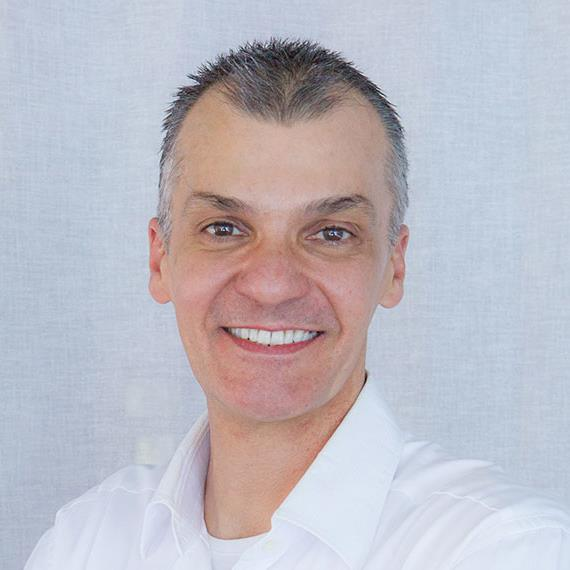 Portrait-Photos-Dr-Alek.jpg
