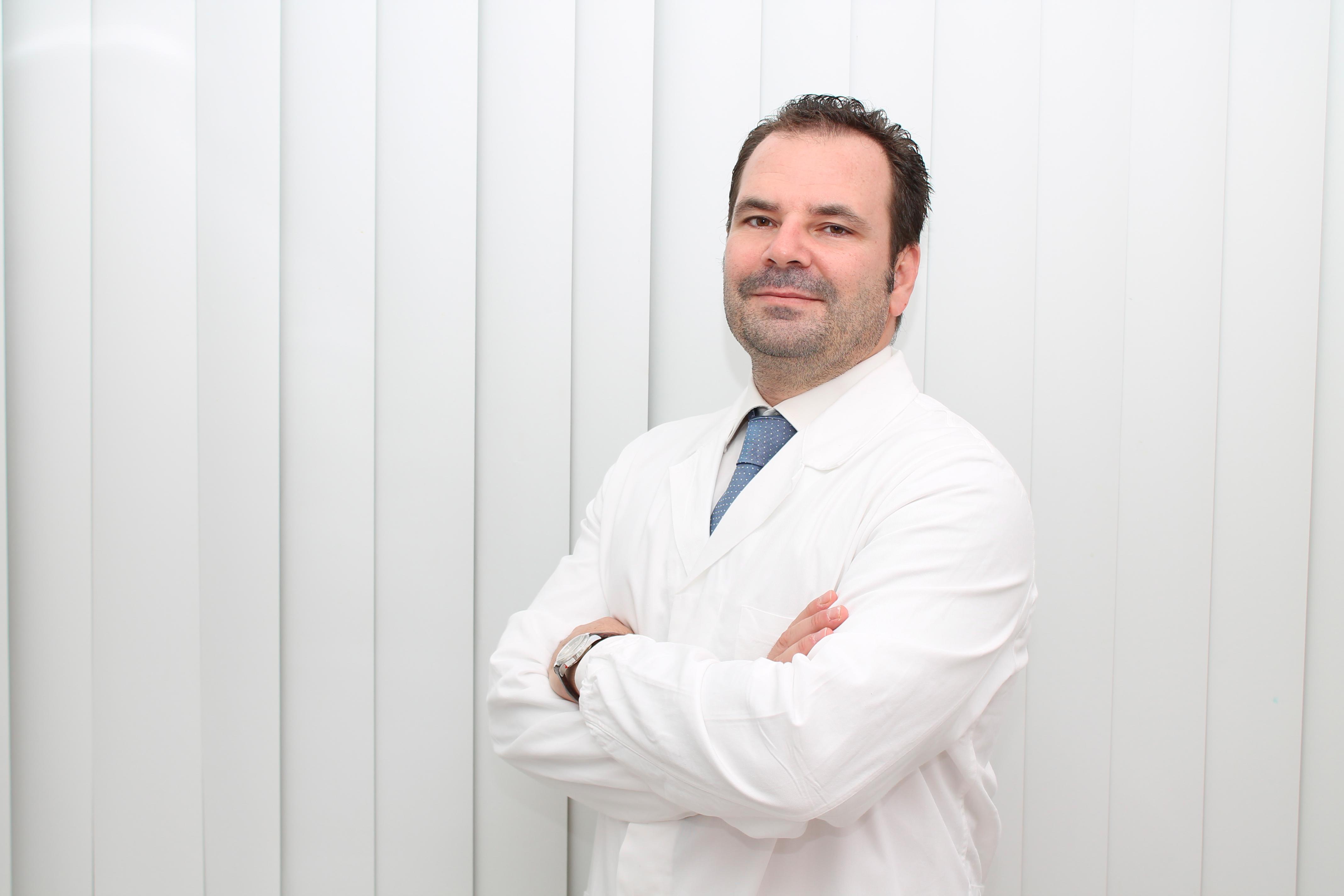 Dr Roberto Amore.jpg