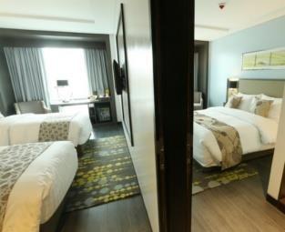 Belmont_family_room