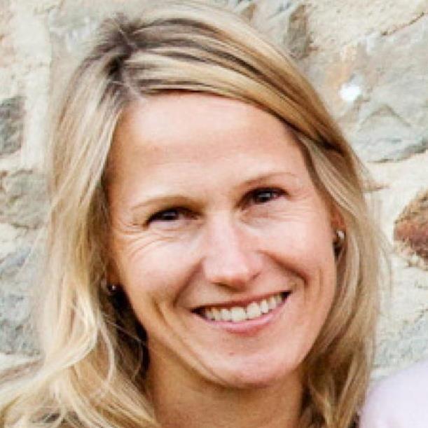 Megan Barr Headshot.jpg