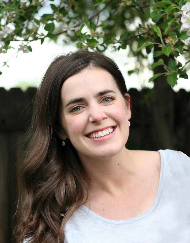Lauren Mikulak - Headshot.jpg
