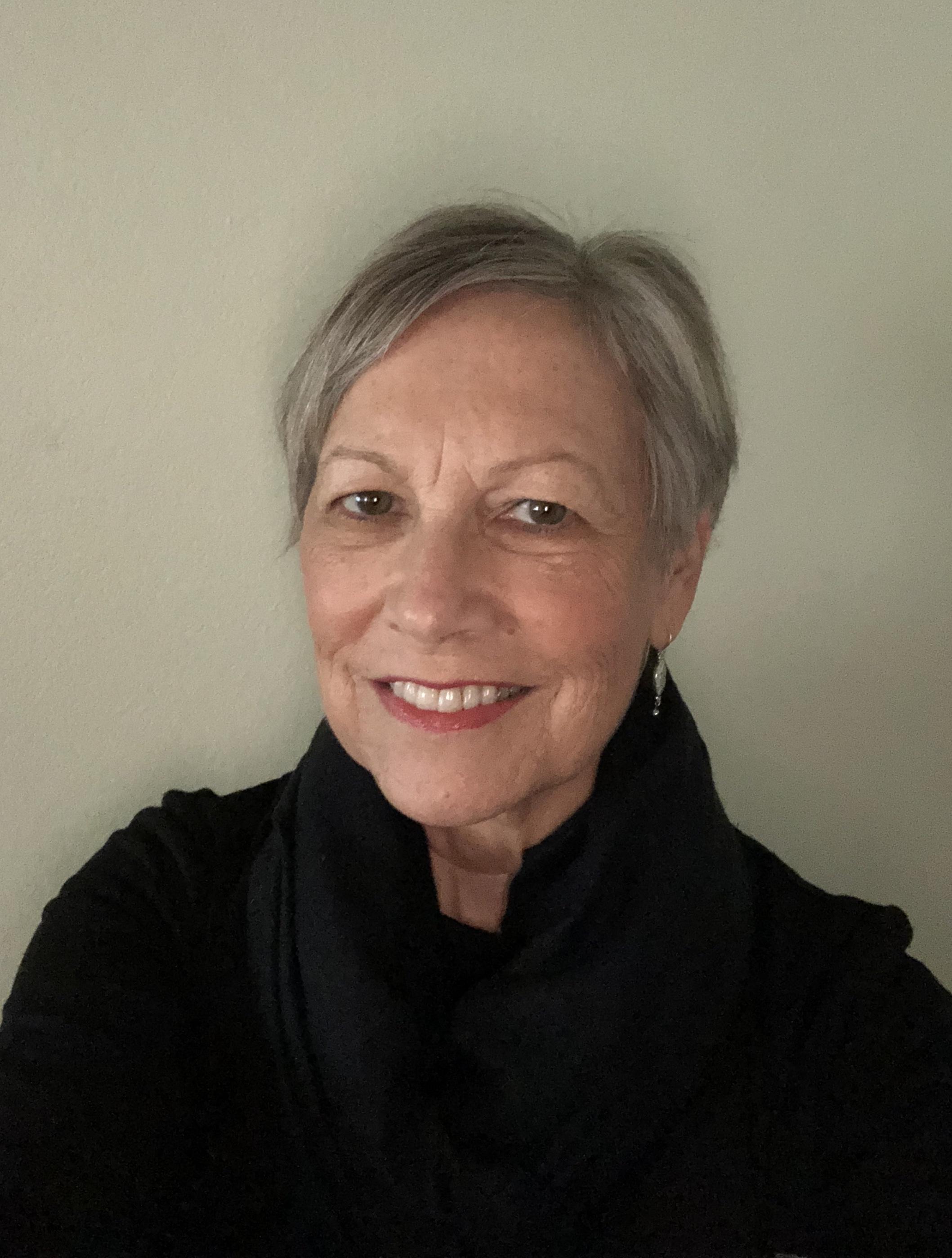 Janis Andrews Headshot.jpg