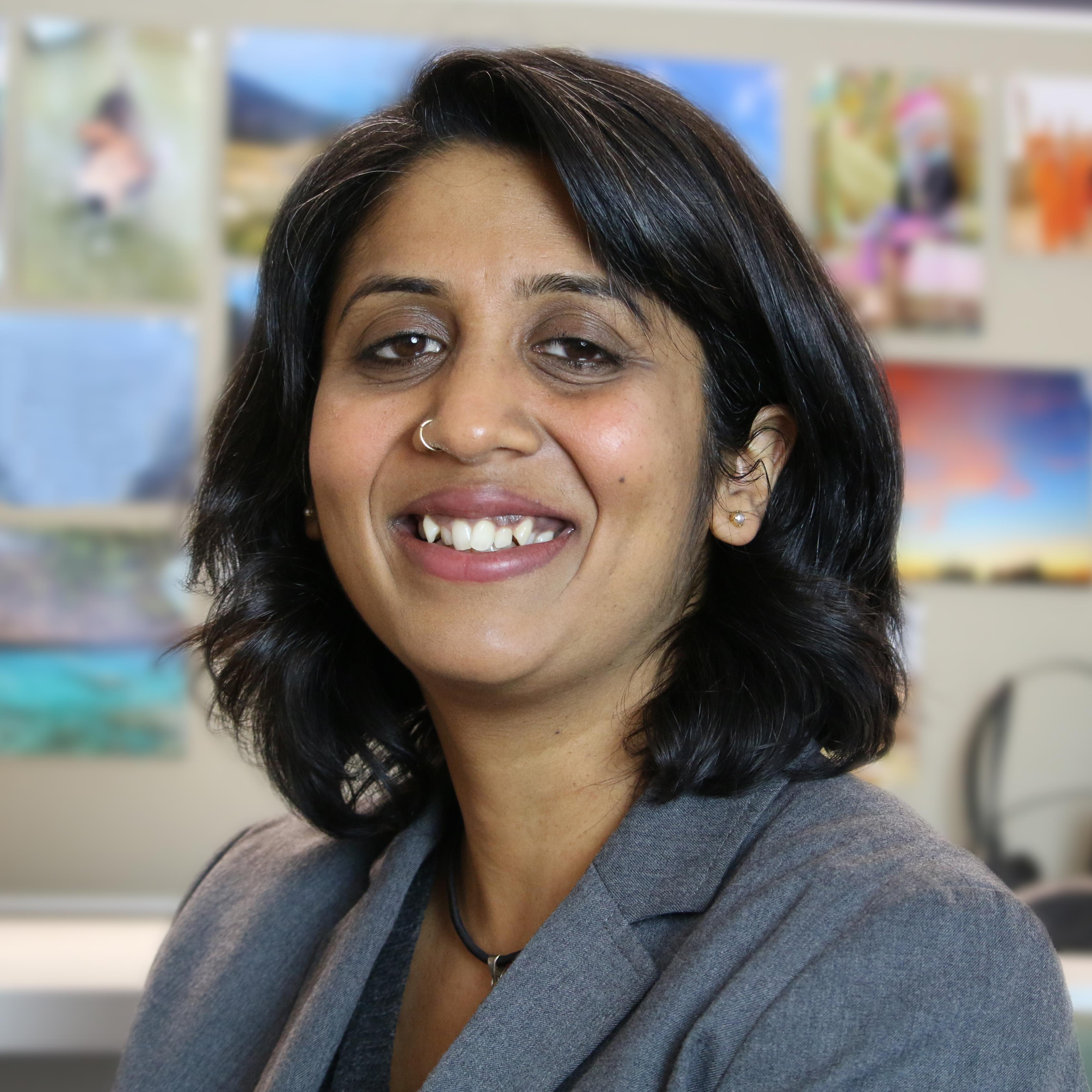 Veena Ramani Headshot (Full).jpg