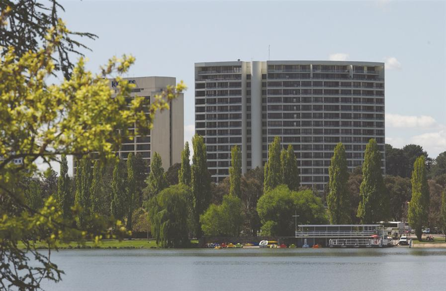 Exterior-Lake-BreakFree-Capital-Tower.t21079