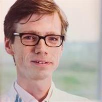 Prof Niels Riksen