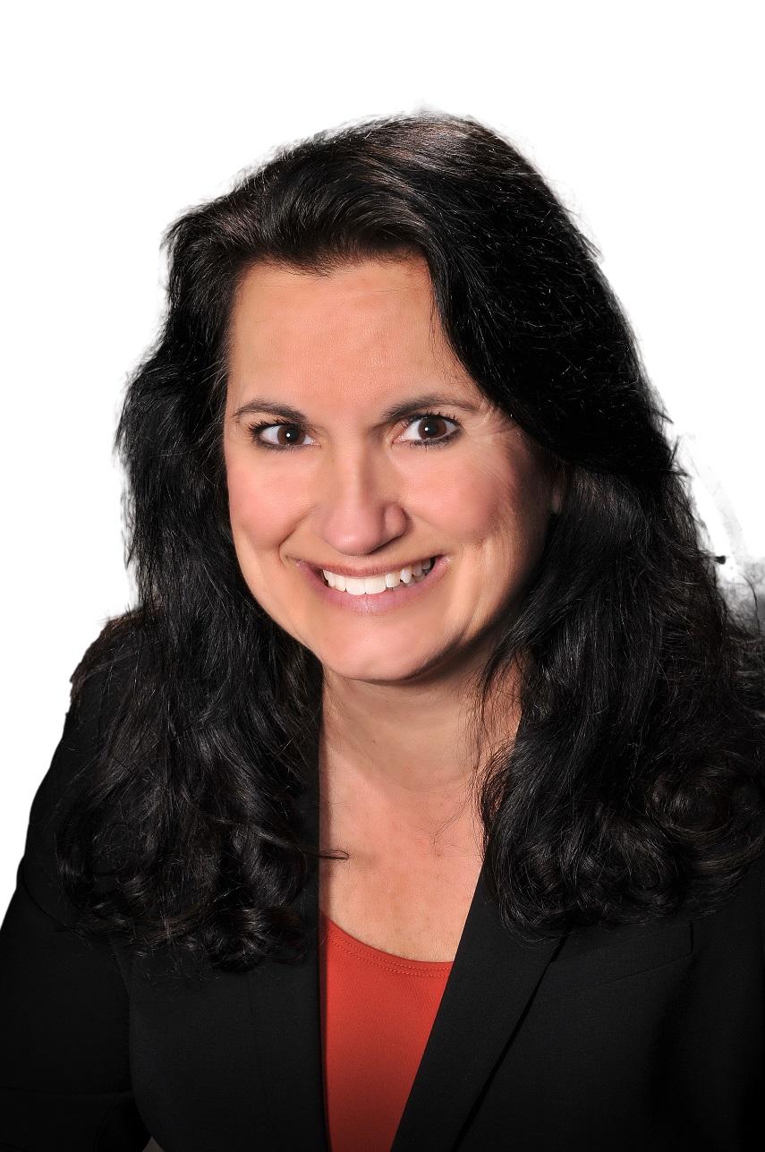 Lisa Alvetro white bg